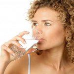 пиенето на много вода