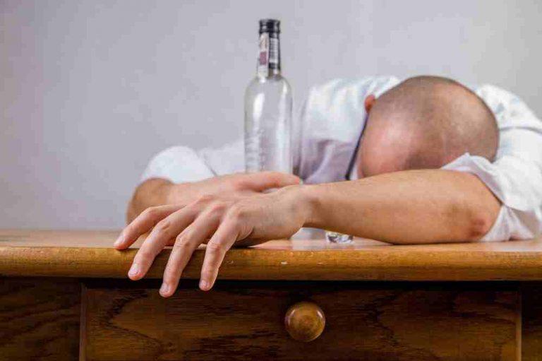 Как да се предпазим от вредата на алкохола: детоксикация ли?