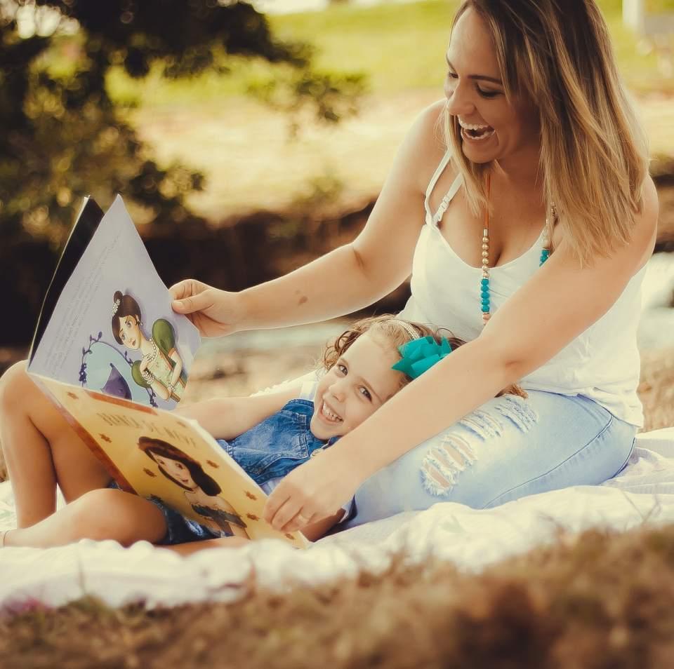 Защо е необходим на децата да им се четат приказки?